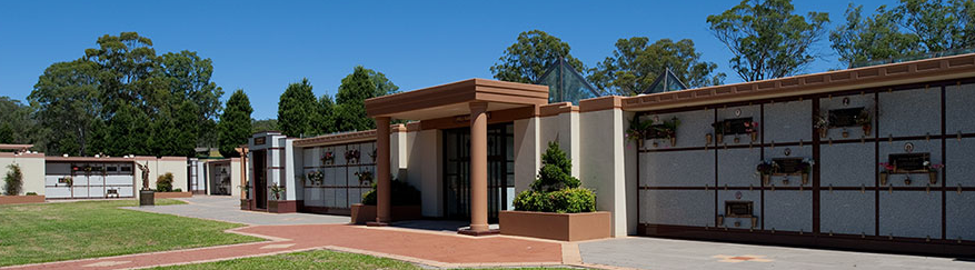 Image of the main building at Forest Lawn Memorial Park